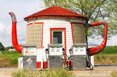 Teapot Gas Station