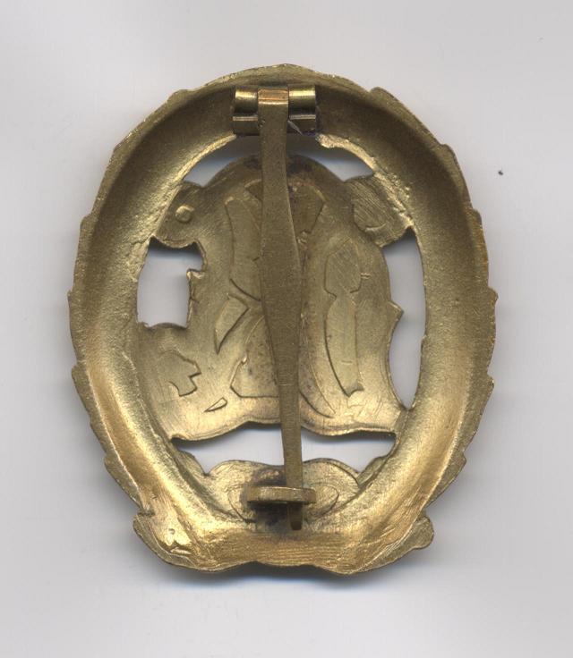 D.R.L._Sports_Badge_in_Bronze___Pre_1937___Reverse.JPG