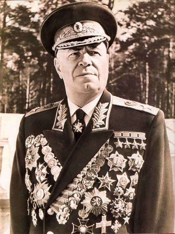 El mariscal soviético Zhukov Post-6141-0-28366300-1339777603