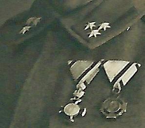 Zugsführer_medals_right_detail.jpg