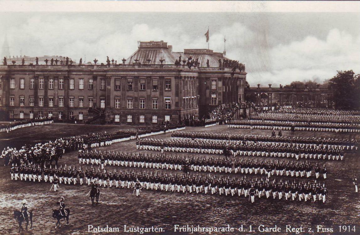 1.Garde-Rgt.z.F._(Frühjahrsparade).thum