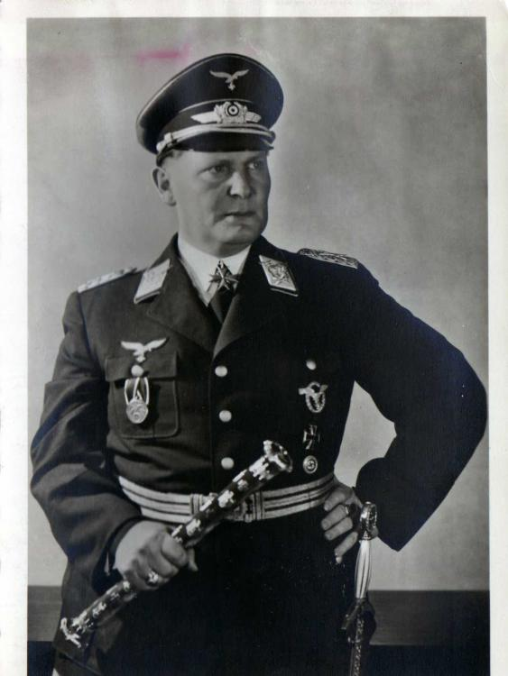 Lw - 1001 - Goering  - 1.jpg