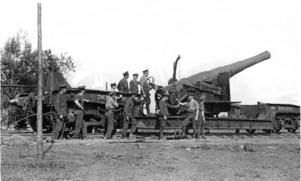 BL_9.2_inch_Railway_Gun_Maricourt_Septem