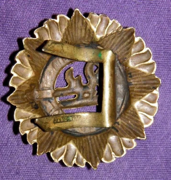 Vickers badge rear..jpg
