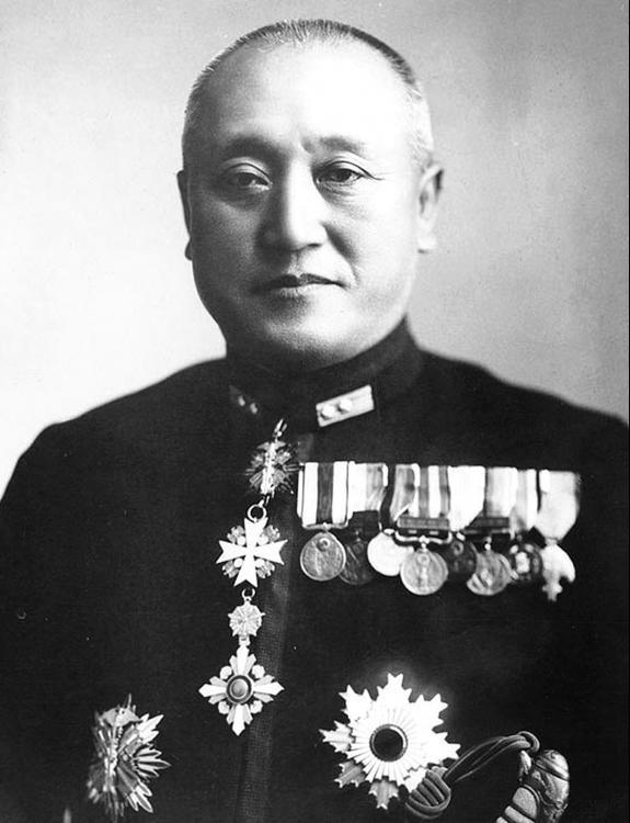 Vizeadmiral_Nobutake_Kondo.thumb.jpg.19d