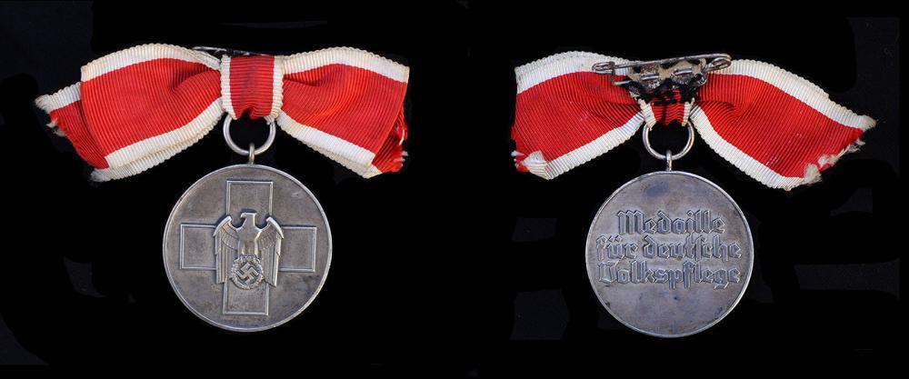 volkspflege service medal.jpg