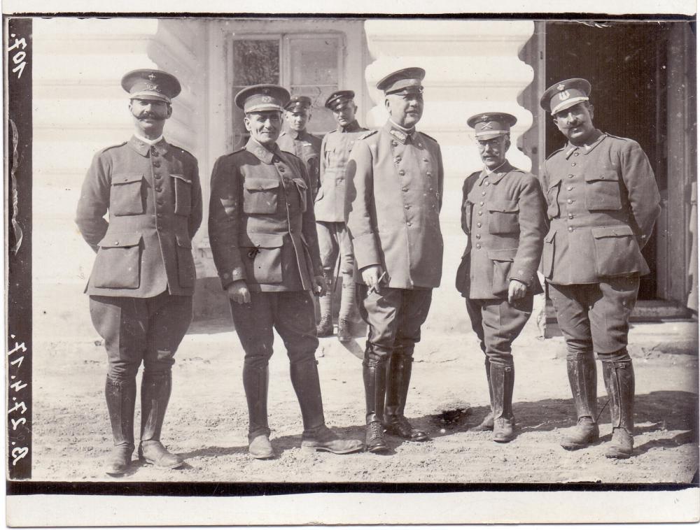 General (spanische Offiziere).jpg