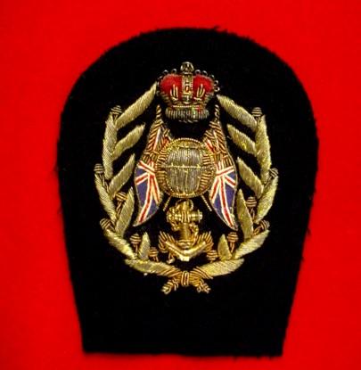 Royal Brit Navy Cap Badge.jpg