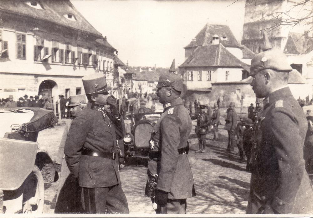 Alpenkorps_(Dellmensingen,_Erzherzog_Carl,_Heltau,_Edelweiß).jpg