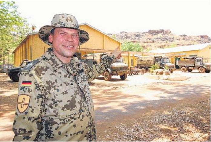 2014-04 MilPfr Balogh in Mali-a.jpg
