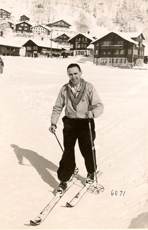 Edmund Wood skiing Switzerland 1938.jpg
