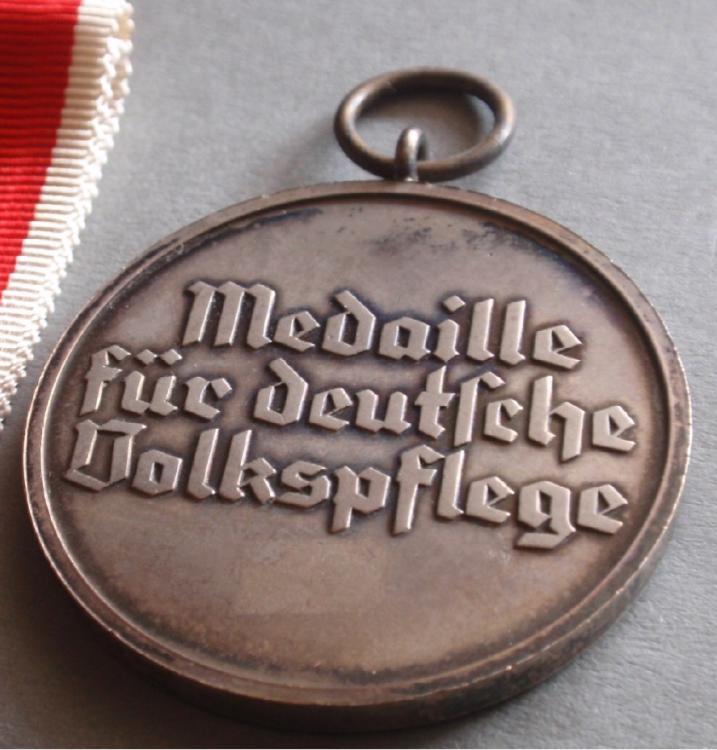 Medaille Rear.jpg