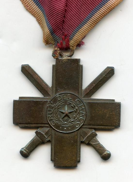 Paraguay Cruz del Chaco on neck ribbon obverse close up.jpg