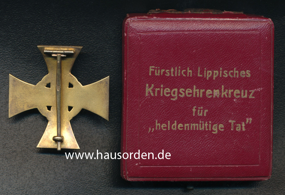 Lippe-Heldentat-Kreuz-Punze_800-RS-web.jpg