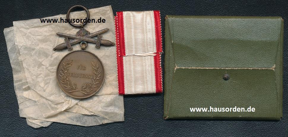 Lippe-Leopoldorden-VM-Bronze_mit_X-RS-web.jpg