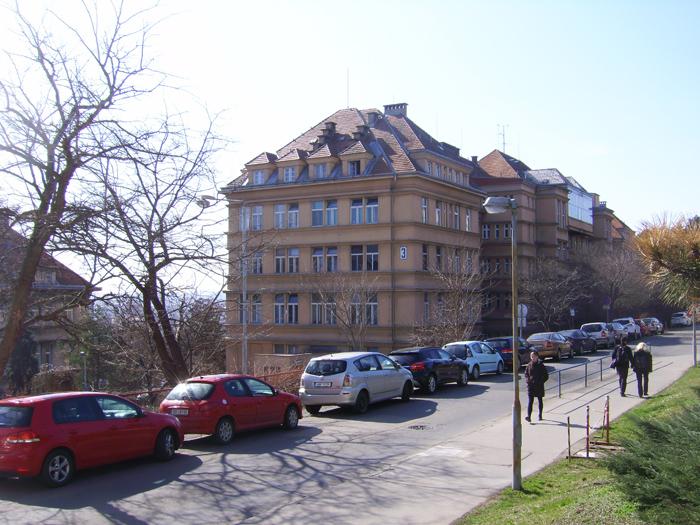 58ceba3f0bf9a_Heydrich-BulovkaHospital(2).jpg.4c08e02b4c3831e96a6f2a7b788168a2.jpg