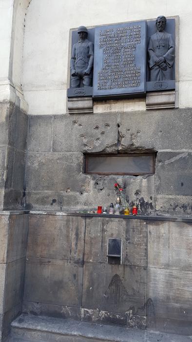 58cebb7e9a717_Heydrich-AnthropoidSs.CyrilandMethodiusCathedral(7).jpg.8e11054370bc02e25dfbb6099232772c.jpg