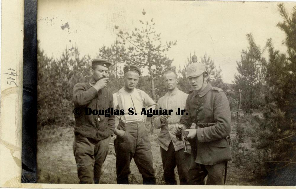 Artillery Luger - 1915 front.jpg