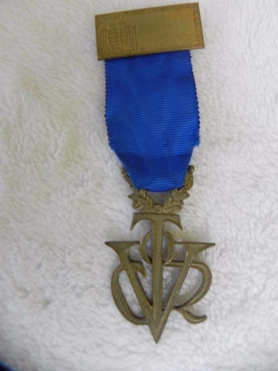 medalha-olimpica-v-D_NQ_NP_266715-MLB25298955180_012017-F.thumb.jpg.2726ad29e9d54290aaf7058e77cea249.jpg