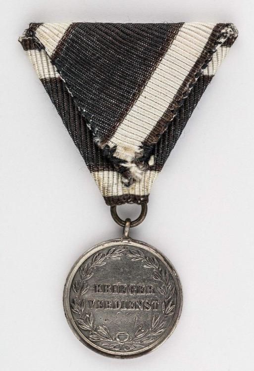 Prussian Krieger Verdienst  Medal (2).jpg