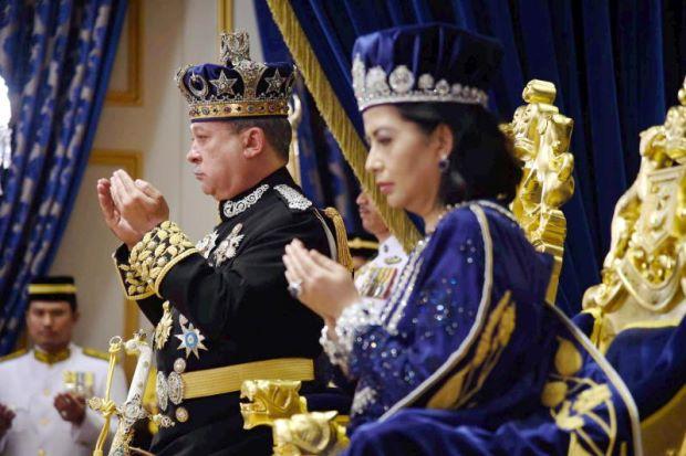 Malaysia Johor Coronation 2015 c.jpg