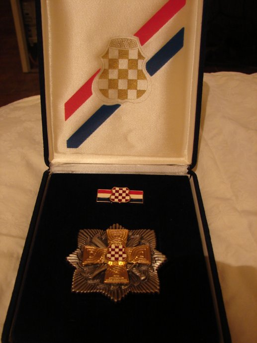 orden-1992-1995-republika-hrvatska-herceg-bosna-slika-47072856.jpg
