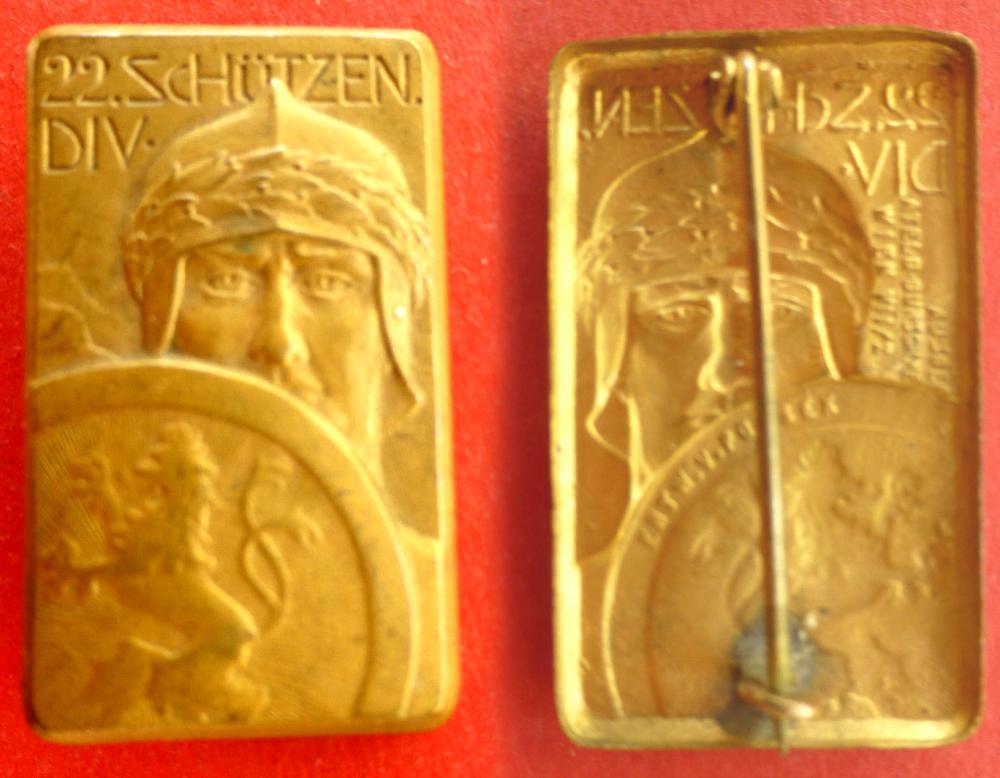 Kappenabzeichen 22. Schützen Div (1).jpg