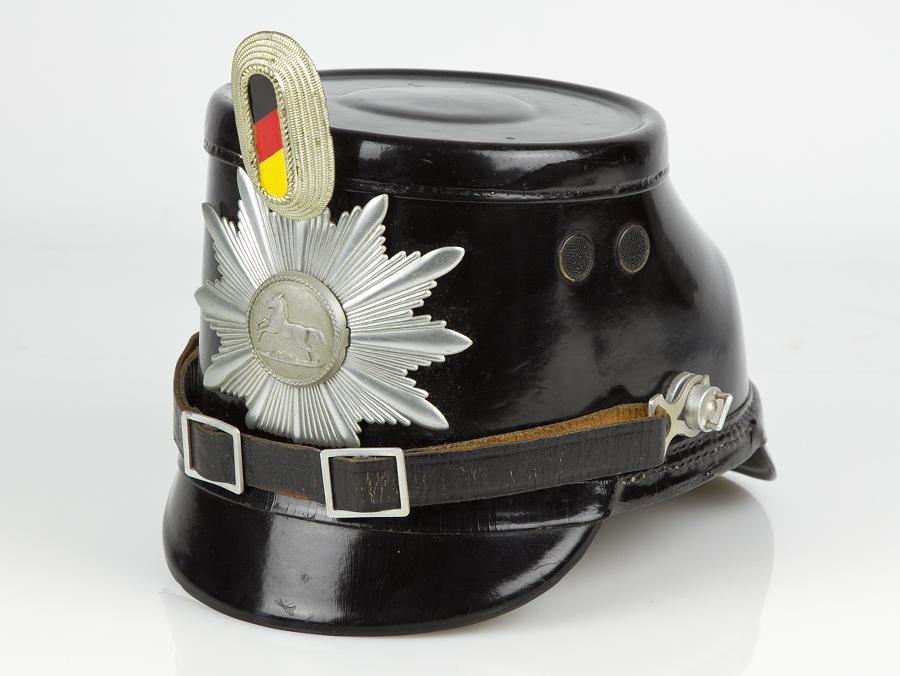 west-german-lower-saxony-police-shako-01.jpg