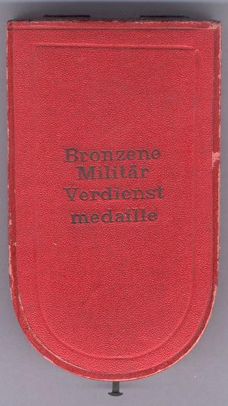 0051-BMVM Frieden mit Miniatur Etui.jpg