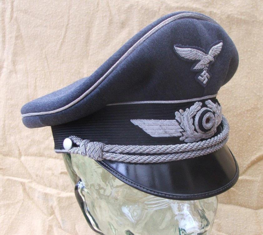 Luftwaffe visor caps 004.jpg