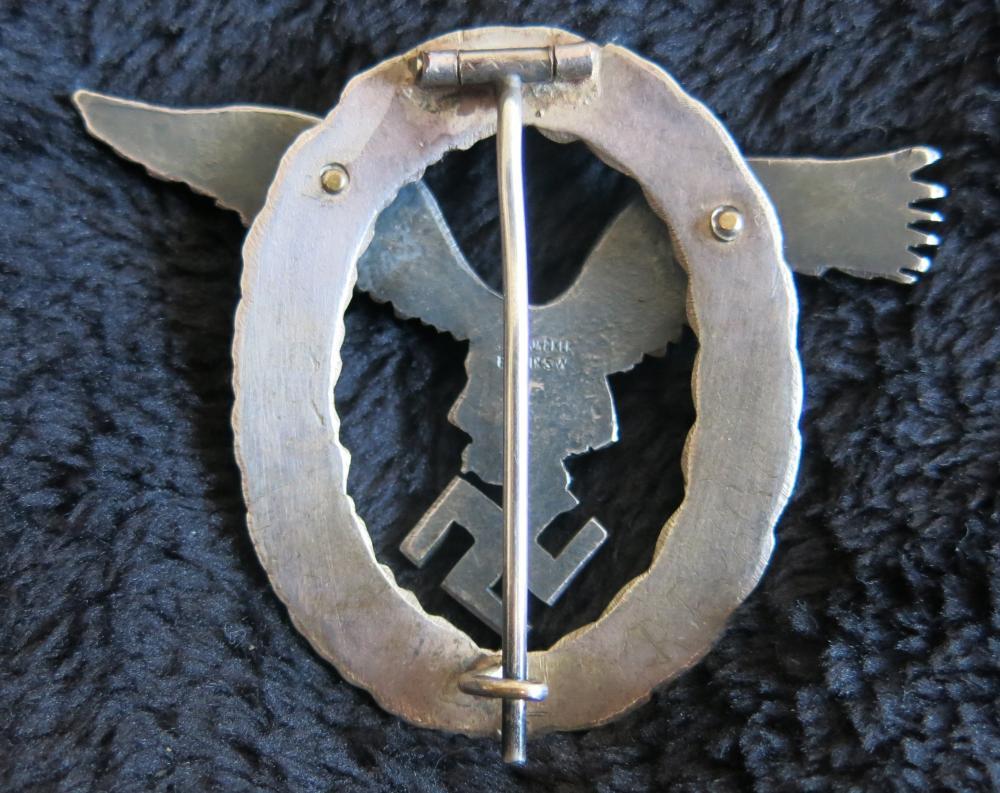 C. E. Juncker Flugzeugführerabzeichen 004.JPG