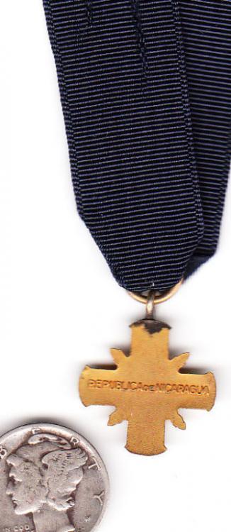 Nicaragua Military Merit Cross 1930ies reverse.jpg