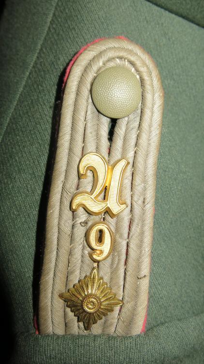 Panzer_Oberleutnant_tunic_008.JPG
