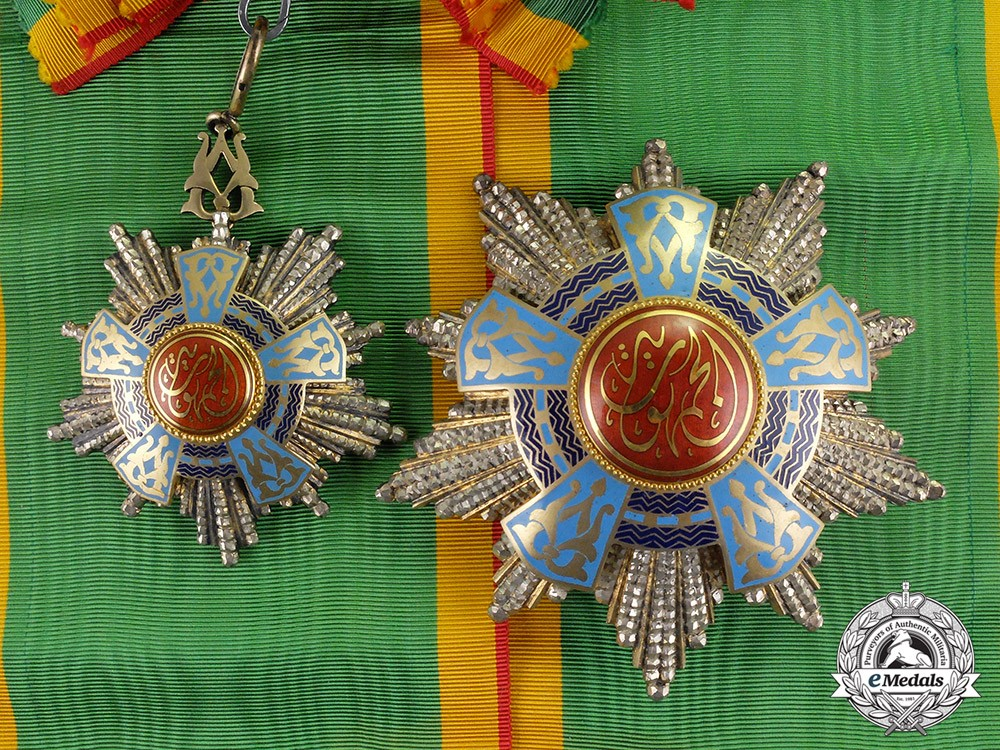 Order of the Republic Grand Cordon 1st Class Type I c 1953.jpg
