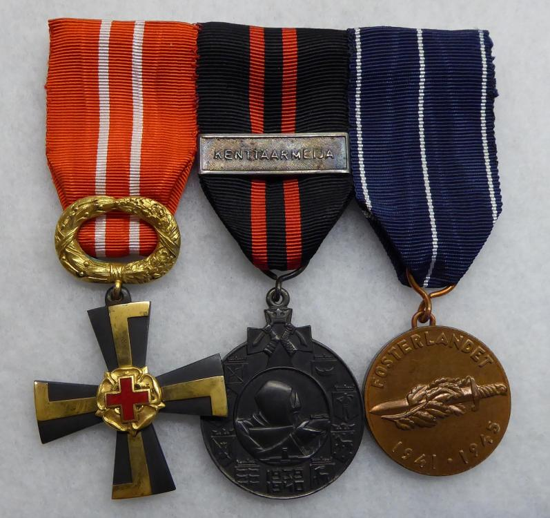 Medalbar Front.JPG