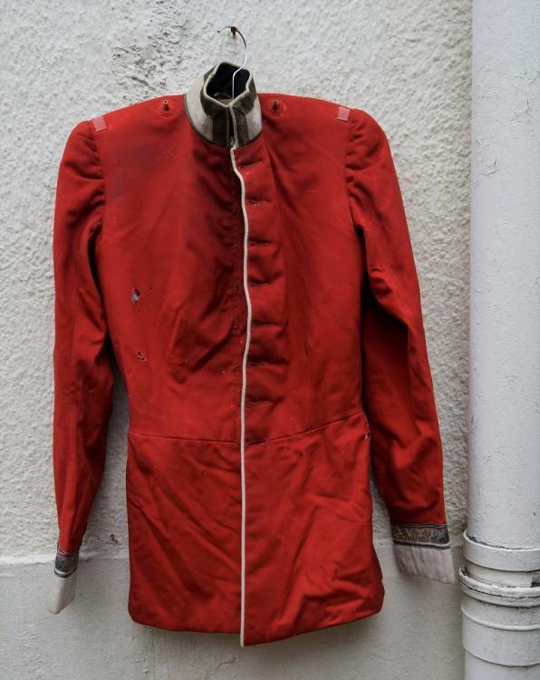 red tunic p1.jpg