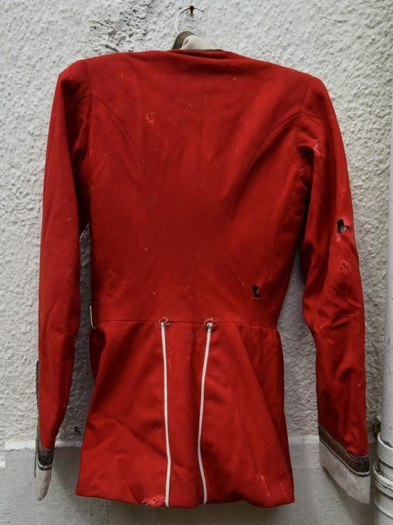 red tunic p2.jpg