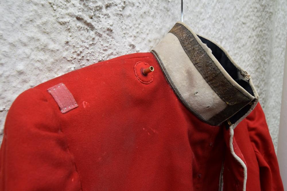 red tunic p3.jpg