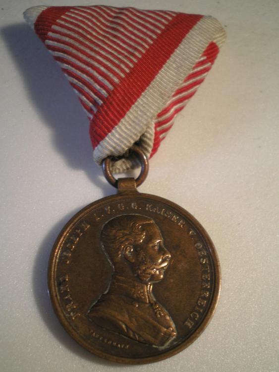 Österreich_Tapferkeitsmedaille_2._Klasse_in_Bronze_Franz_Joseph_VS.JPG