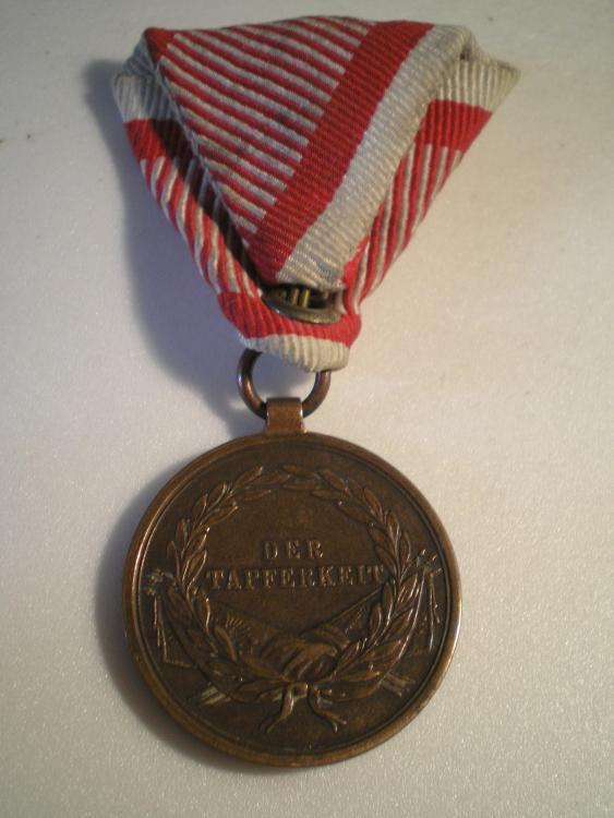 Österreich_Tapferkeitsmedaille_2._Klasse_in_Bronze_Franz_Joseph.JPG