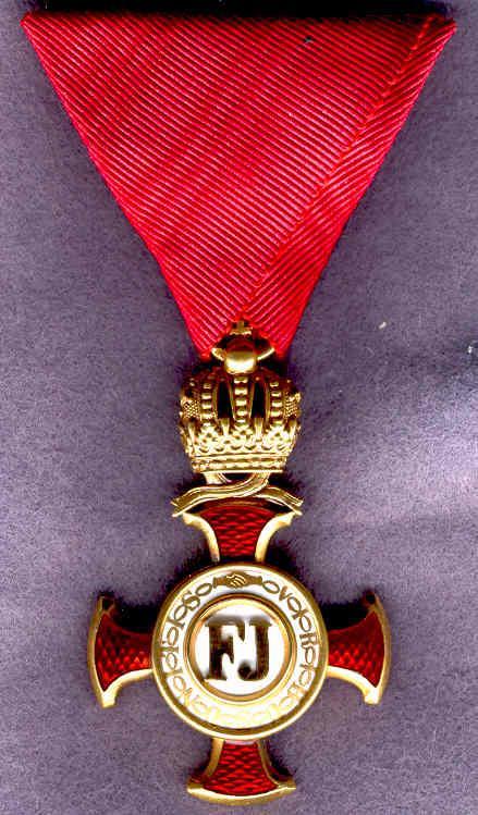 0011-Goldenes Verdienstkreuz+Krone-avers.jpg