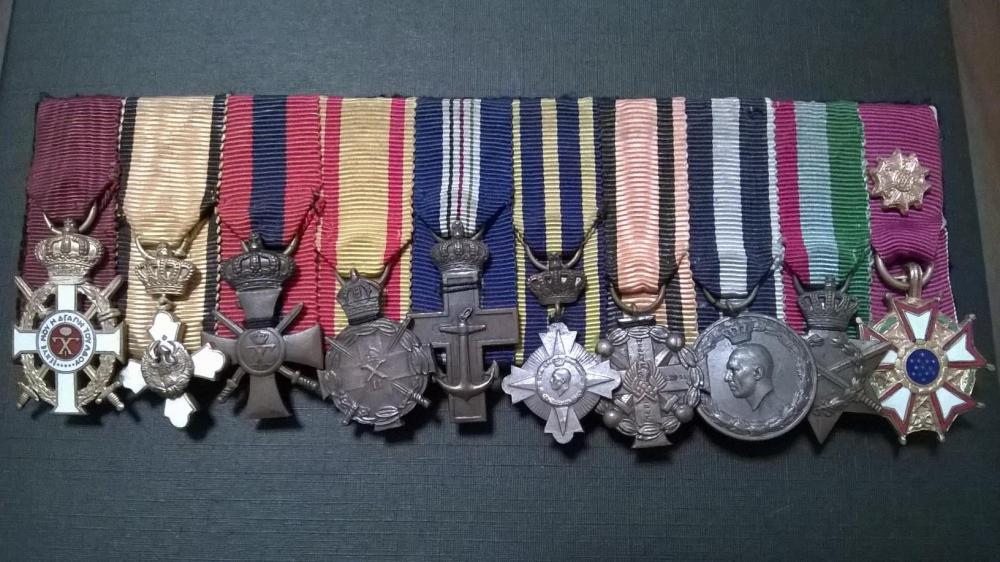 Navy miniatures (1).jpg