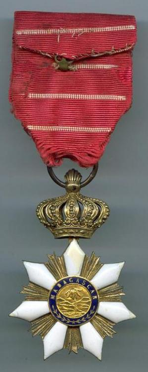 Madagascar Order of Radama Officer reverse.jpg