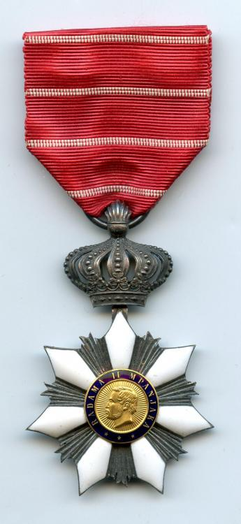 Madagascar Order of Radama Knight Type 2 obverse.jpg