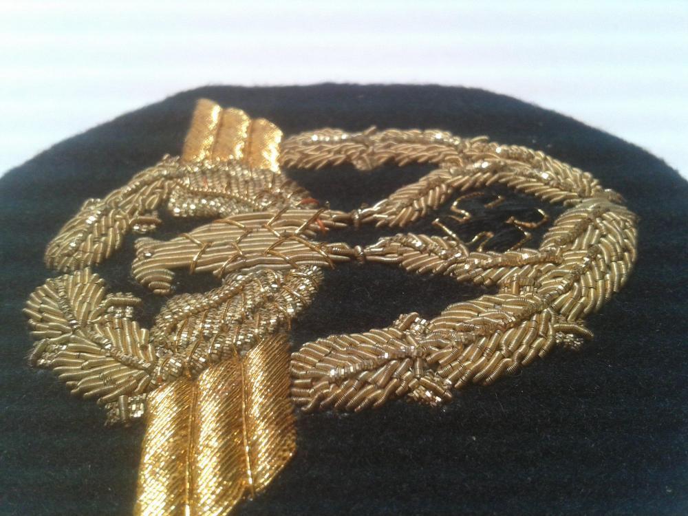 Wasserschützpolizei officer schirmmutze hand embroidered gold bullion insignia.jpg