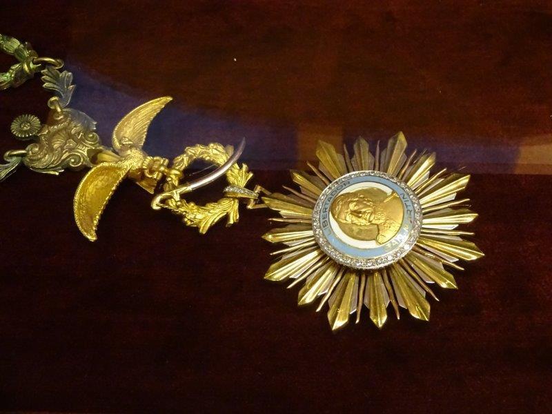 Pinochet Collar from Order San Martin Argentina.jpg
