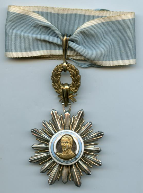 Argentina Order of San Martin Commander 3rd Class obverse.jpg