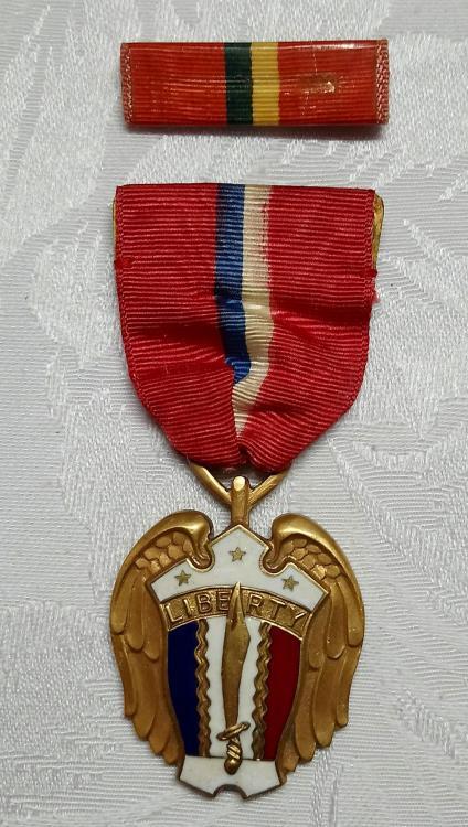 Phillipines-Liberation Medal,1944-1945(2)-O.JPG