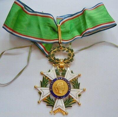 Médaille-Croix-de-Commandeur-OEUVRE-HUMANITAIRE-France.jpg