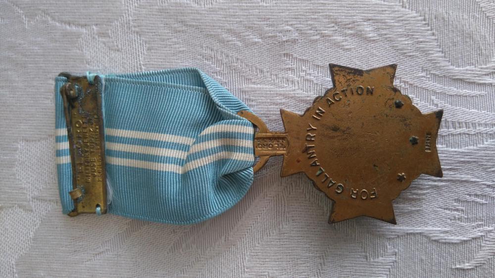 Philippines-Gold_Cross_Medal-R.JPG